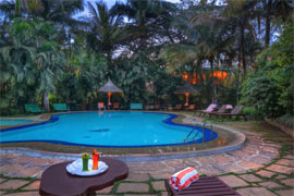 Hoysala Village Resort hassan piscine