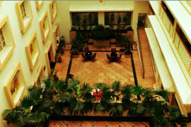 holiday inn hall