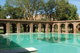balsamand garden retreat piscine